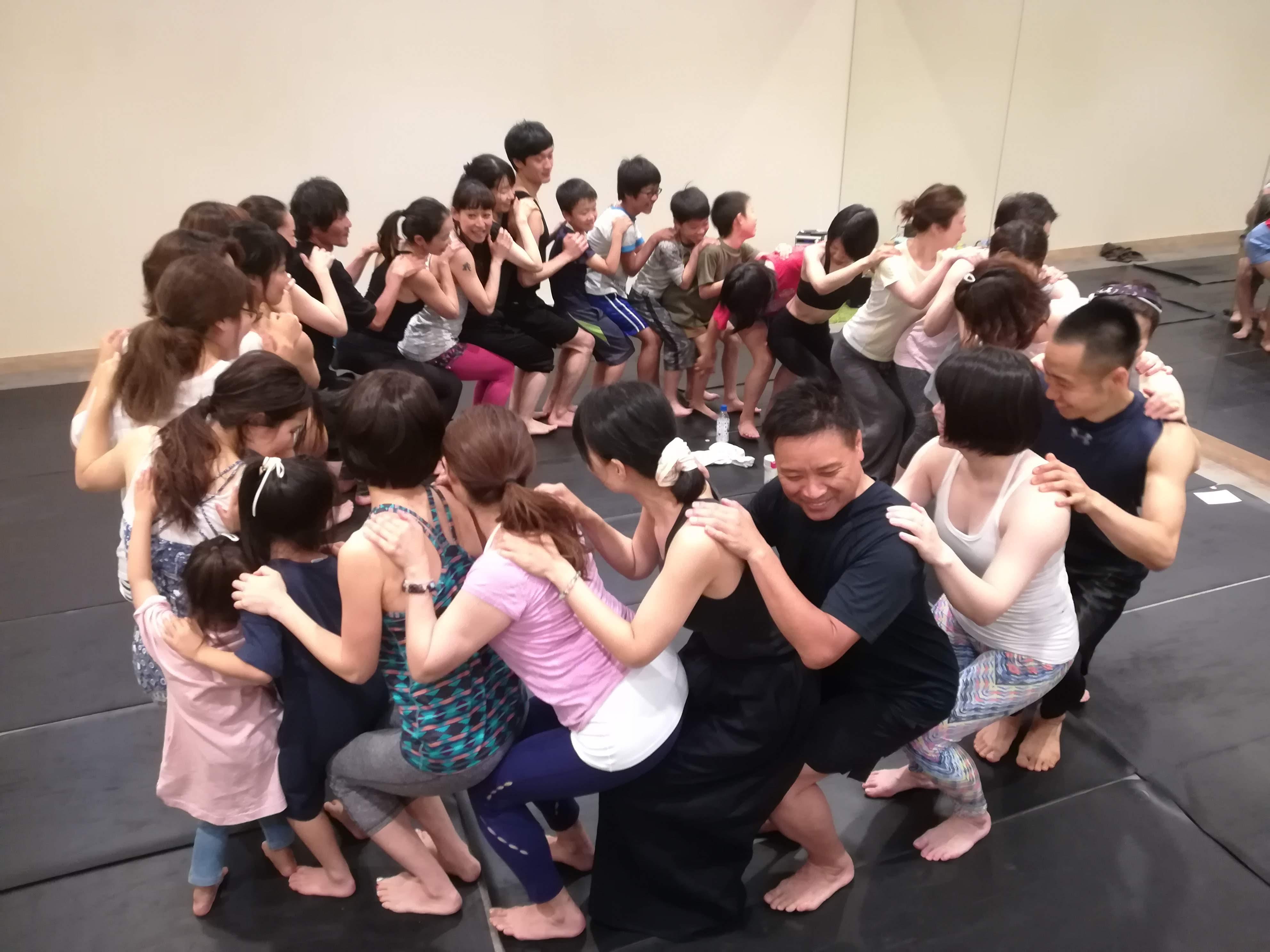 ルルレモン大阪にてチャリティヨガイベントを開催していただきました